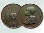 Medal pamiątkowy z Pielgrzymki Narodowej do Rzymu z popiersiem papieża Leona XIII, 1900 r., fot. A. Sułkowski
